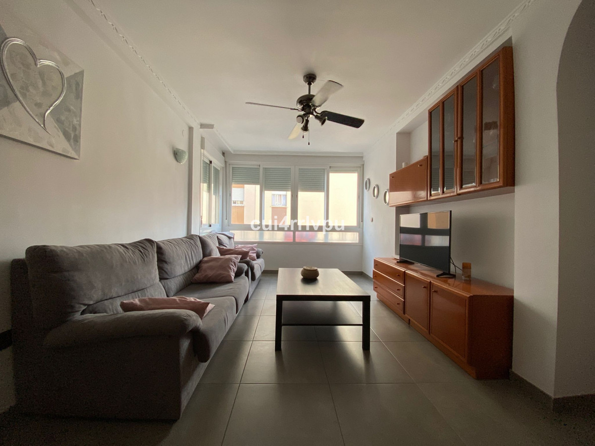 Apartment to be used for rent or own home. It is completely renovated: electricity, plumbing, floors,Spain