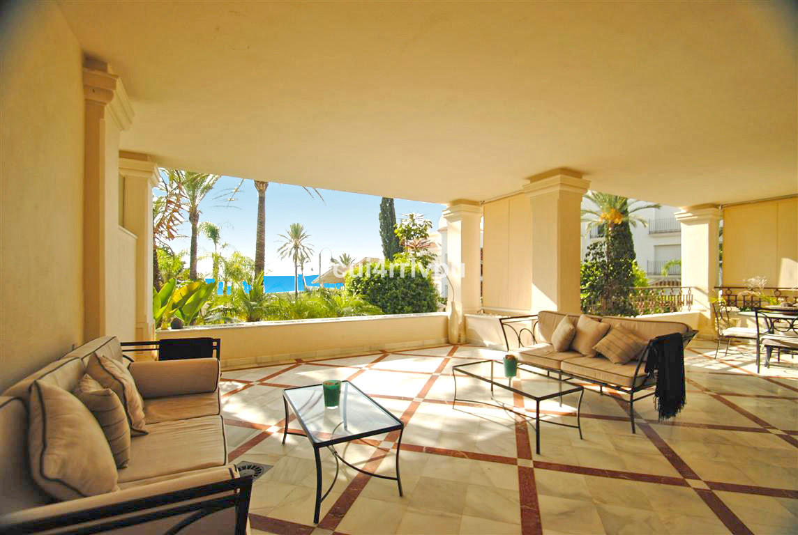 This beautiful beachfront apartment with sea views is situated in a sought after urbanization with 2, Spain