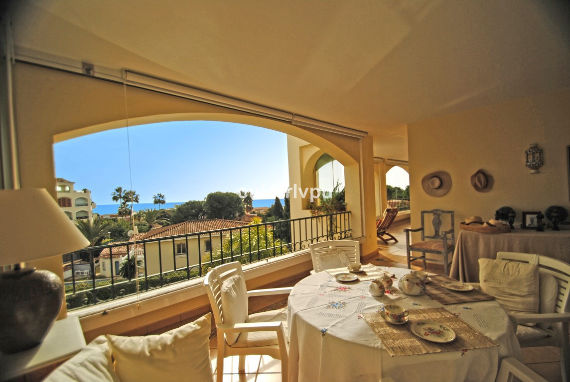 The apartment has a large terrace with fantastic views to the sea and sun all day, further there are, Spain