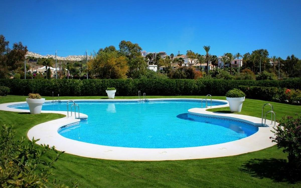 Marbella Banus Apartamento en Venta en Selwo – R3875875