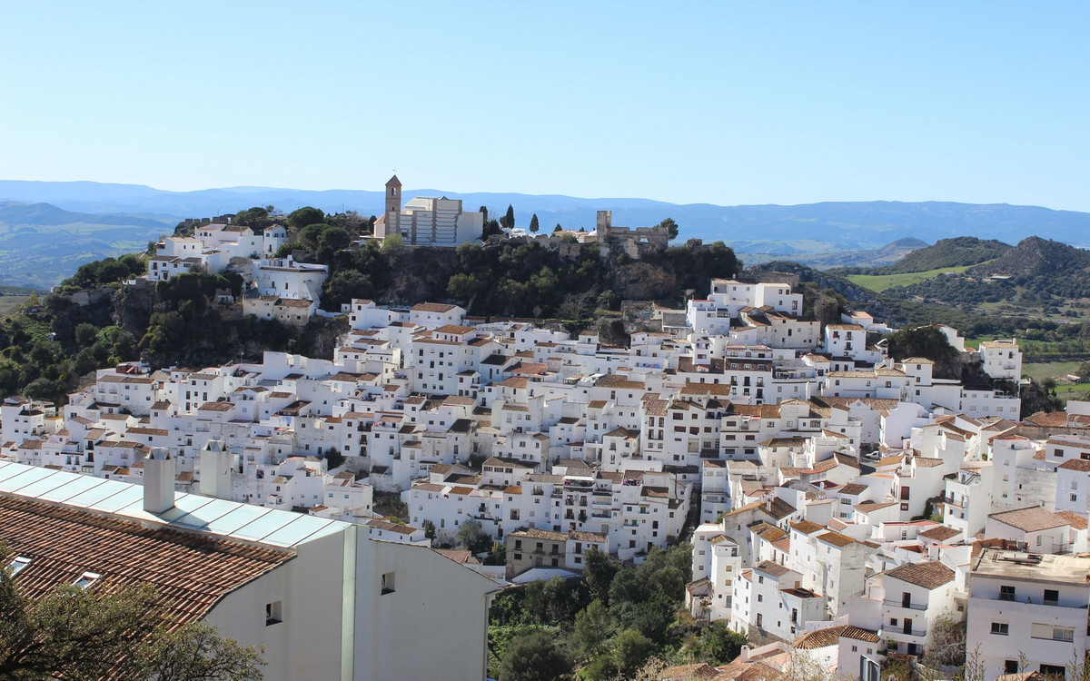 2 Bedroom Middle Floor Apartment For Sale Casares Pueblo
