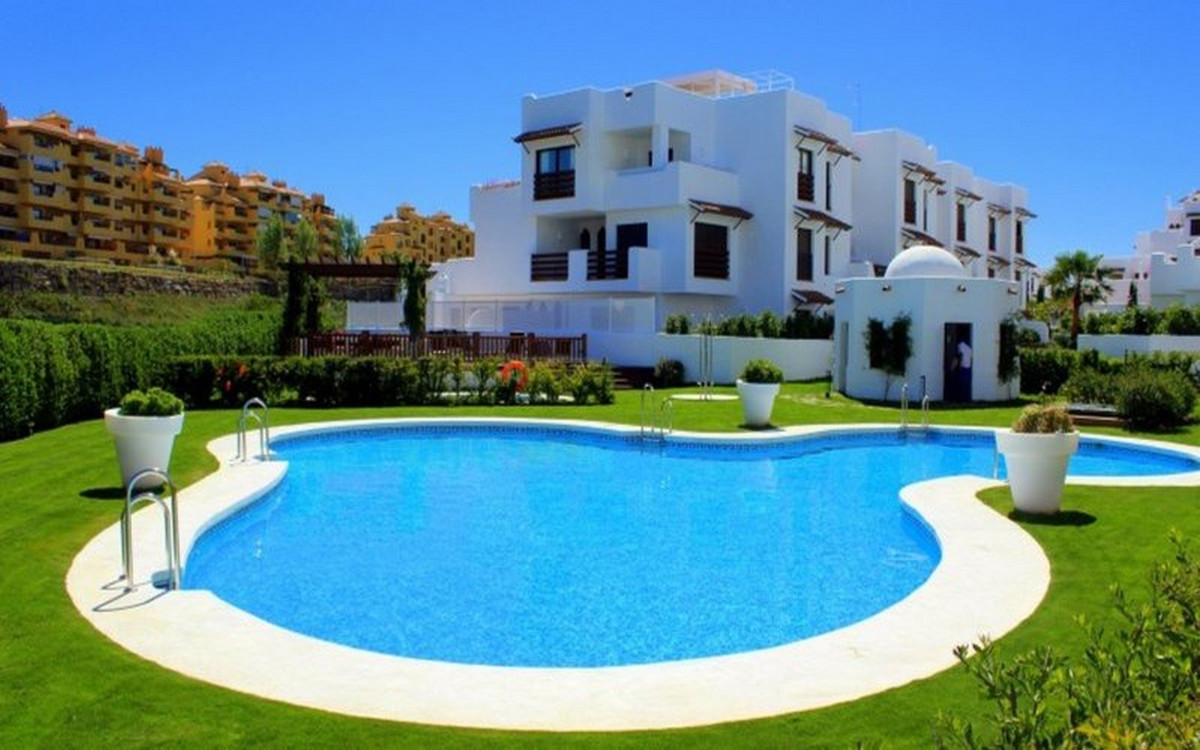 Very light and spacious 2 bedroom apartment on the first floor with direct access from all rooms to ,Spain