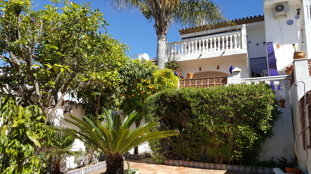 Light and spacious townhouse, situated in a quiet and sought after area, close to the beach of Del P, Spain