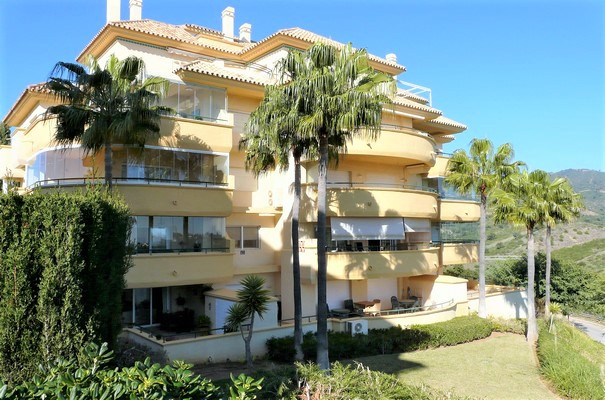 This beautiful and bright corner apartment has it all. Located in the highly sought-after Elviria, o, Spain