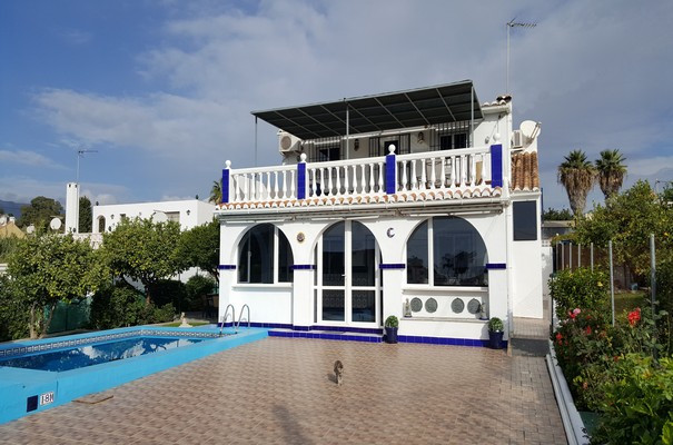 Beautiful detached spacious house with unobstructed sea views and only a few minutes from the beach.,Spain