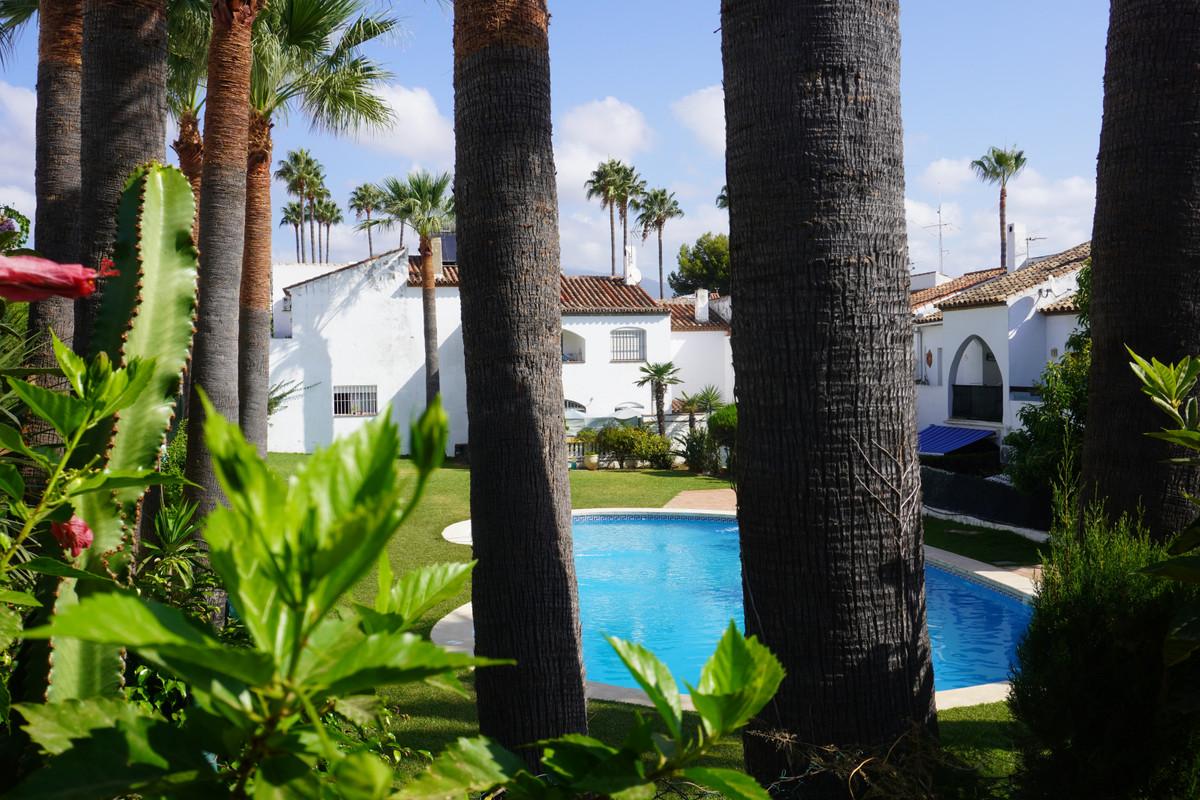 Marbella Banus Adosado à vendre à Bel Air – R3914809
