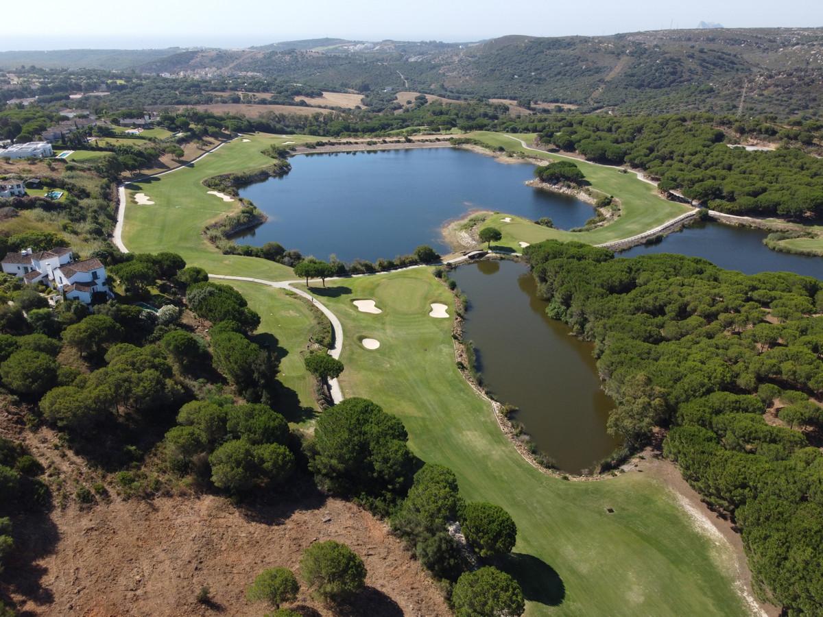 Front line golf plot in prestigous in Almenara Golf, Sotogrande Alto to build a single villa of 1092,Spain