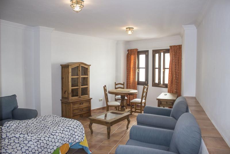 Apartamento Planta Baja en venta en Casares Pueblo – R3432946