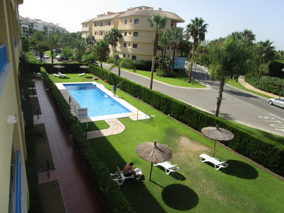 Middle Floor Apartment in San Roque