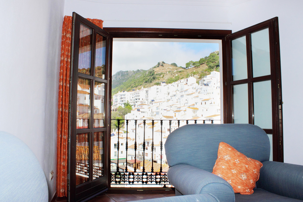 This studio apartment boasts light and airy living areas, partially equipped kitchen, air conditioni,Spain