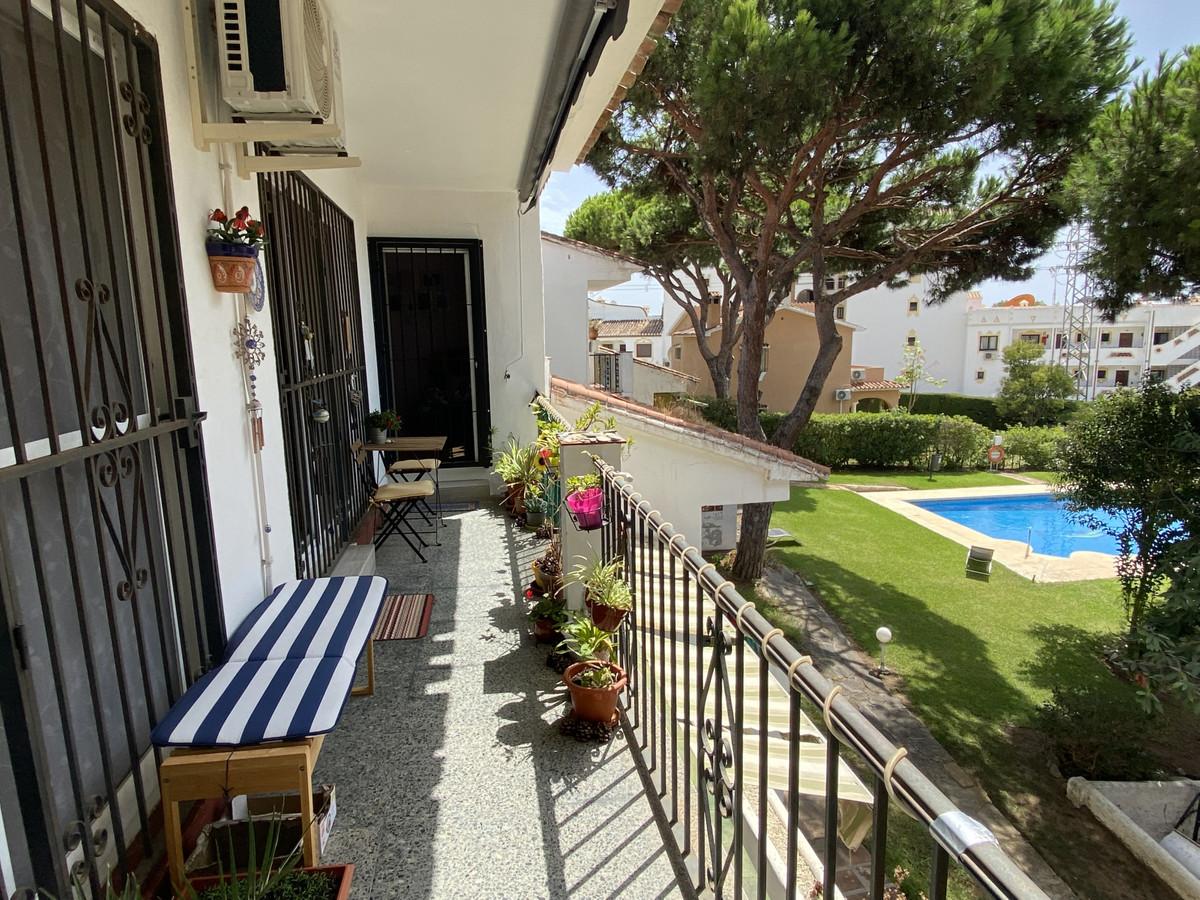 Marbella Banus Apartamento en Venta en Calahonda – R3915811