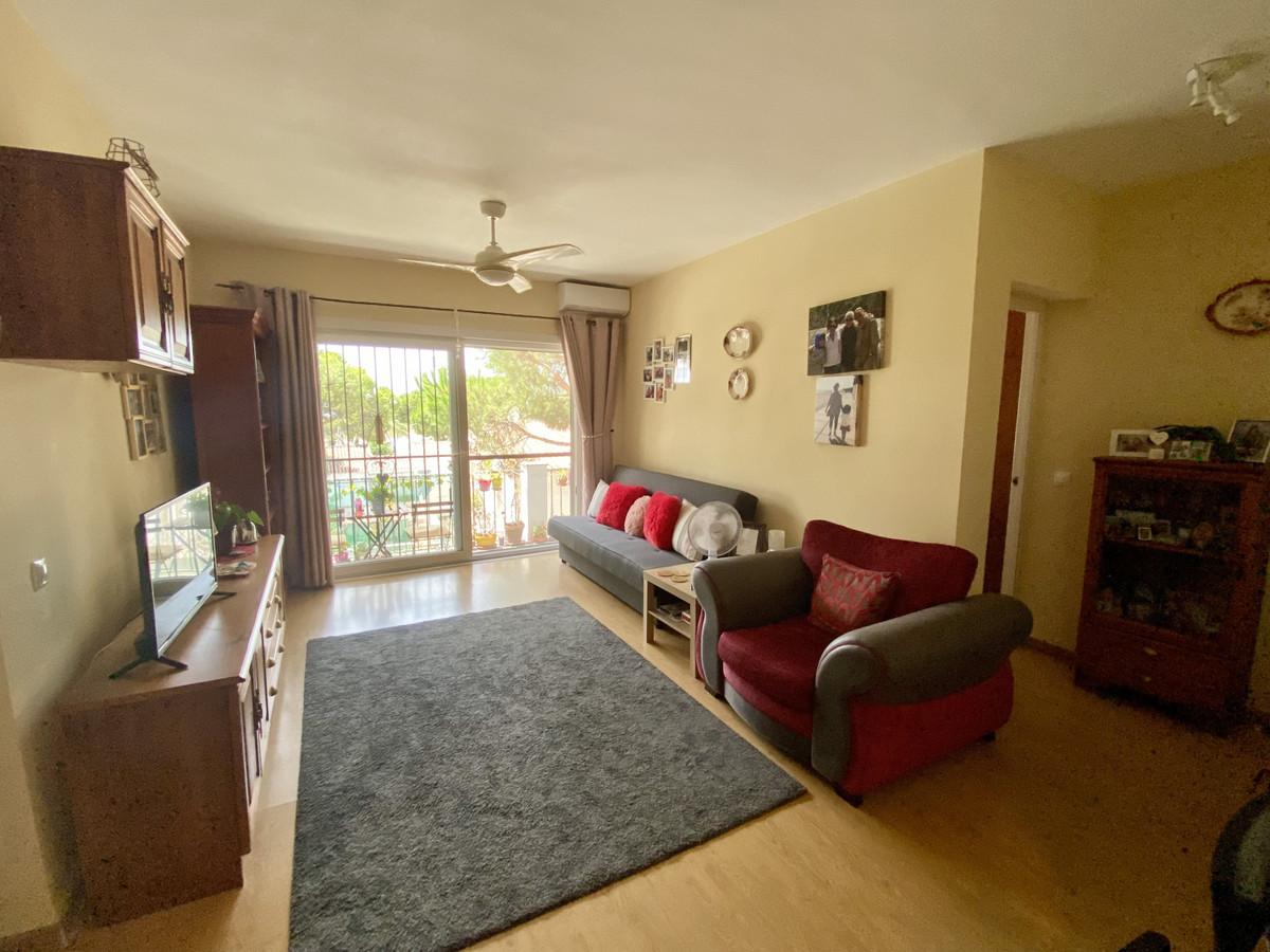 Apartamento en Venta en Calahonda – R3915811