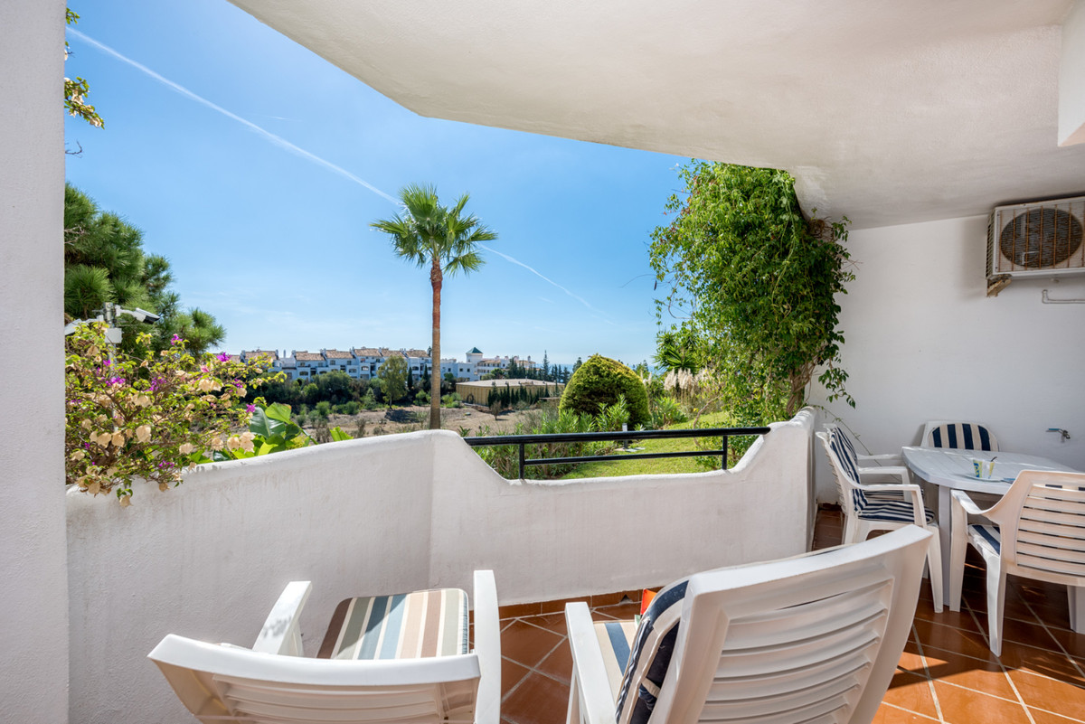 Marbella Banus Apartamento en Venta en Calahonda – R3694193