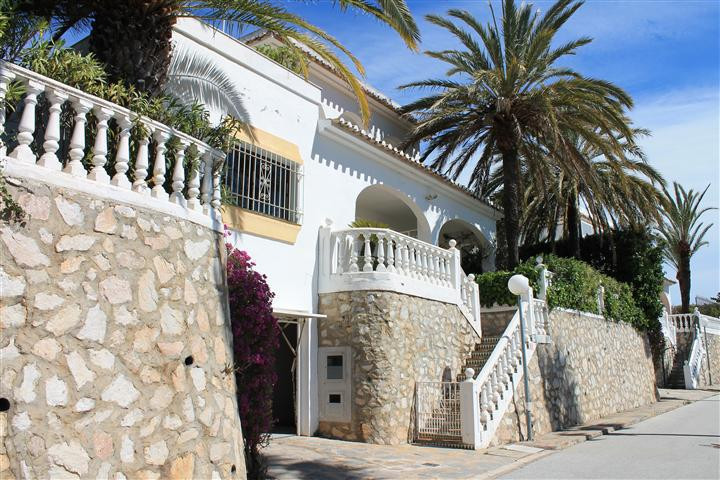 Detached Villa in Calahonda