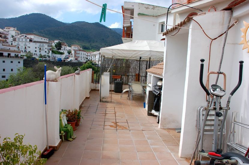 This house is extremely good value for someone looking for a house that is ready to move into. The v,Spain