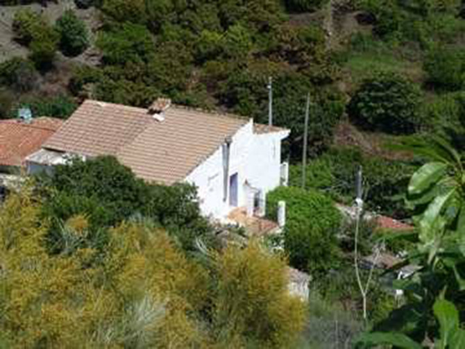 3/4 bedroom house is rustic, sympathetically restored with mains water, a woodburner, electricity an,Spain