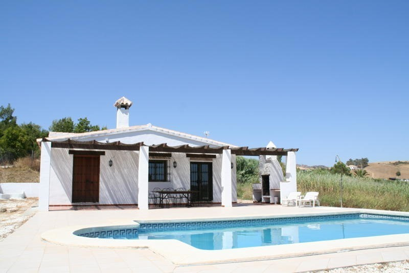 This finca is offered at an extremely attractive price for a superb property located about 10 minute, Spain
