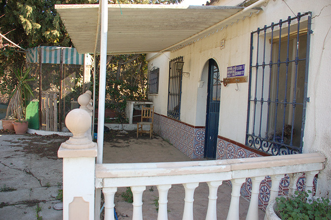 This is a great opportunity to buy a lovely finca for a very reasonable price. There is over 10,000m,Spain