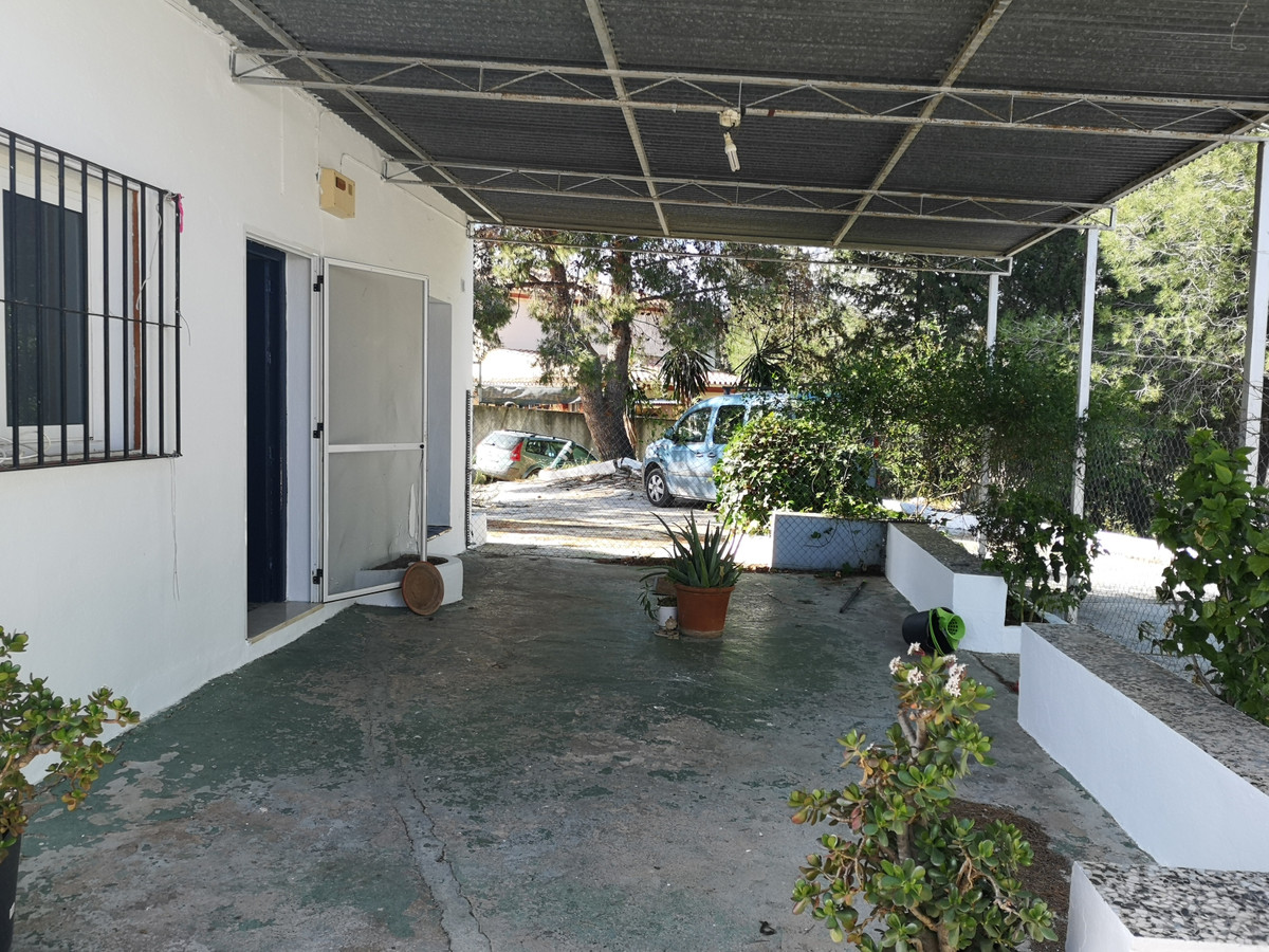 Quaint finca in rural Coin, but only 4 minutes from town centre in a quiet country location and with,Spain
