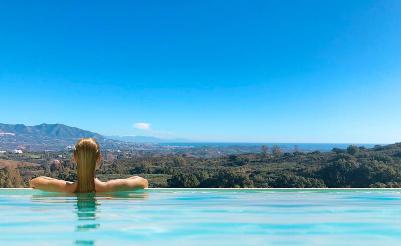 Marbella Banus Terreno Urbano en venta en Elviria – R3480724
