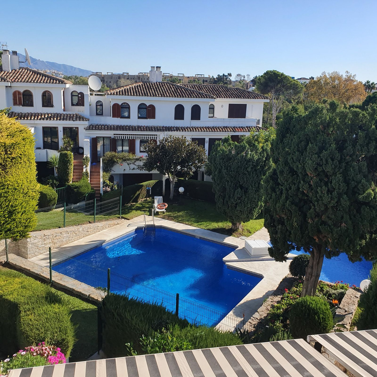 Beautiful 3 bedroom 3 bathroom townhouse next to the beach and all ameneties available for long wint,Spain