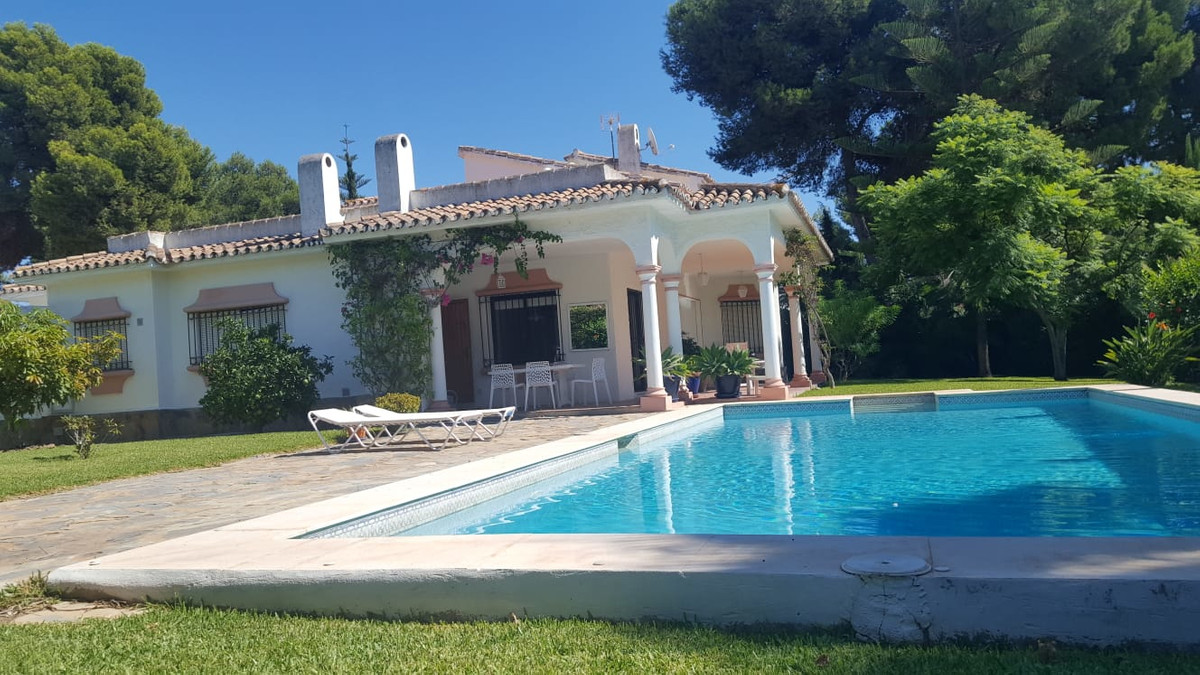 Amazing villa only walking distance to the beach!  This villa is located in one of the most prestigi, Spain