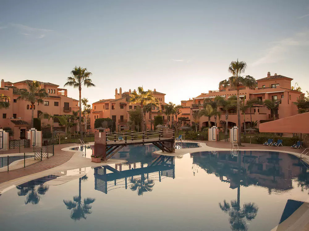 Beautiful 2 bed room 2 bathroom penthouse in the beachside location of Hacienda Del Sol in Atalaya. , Spain