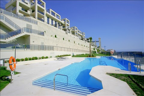 VFT/MA/29848 Los Flamingos modern 2 bedroom middle floor apartment furnished to a high standard with,Spain