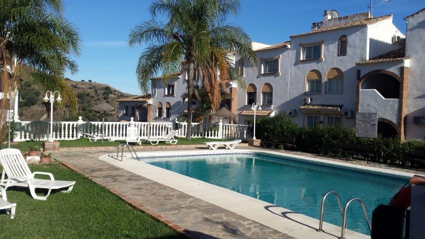 Marbella Banus Apartamento en Venta en Calahonda – R2533007
