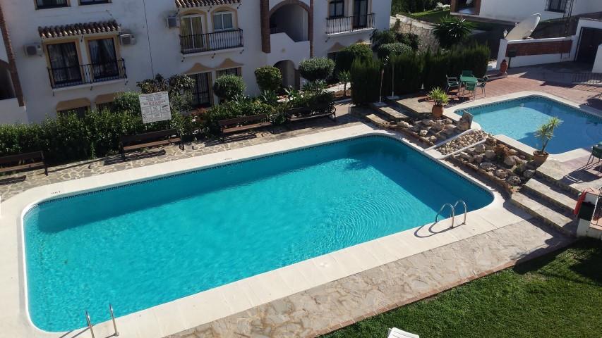 Apartamento en Venta en Calahonda – R2533007
