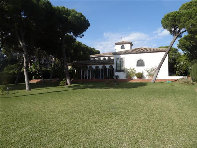 Detached Villa Benamara