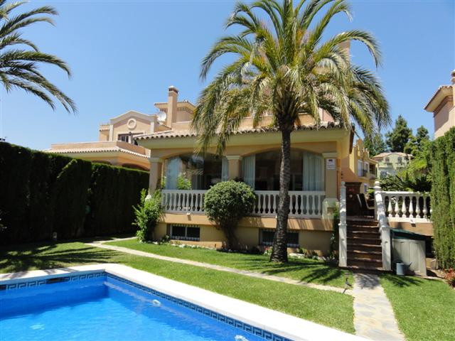 A very spacious detached villa in the center of Marbella. Walking distance to all shops, restaurants,Spain