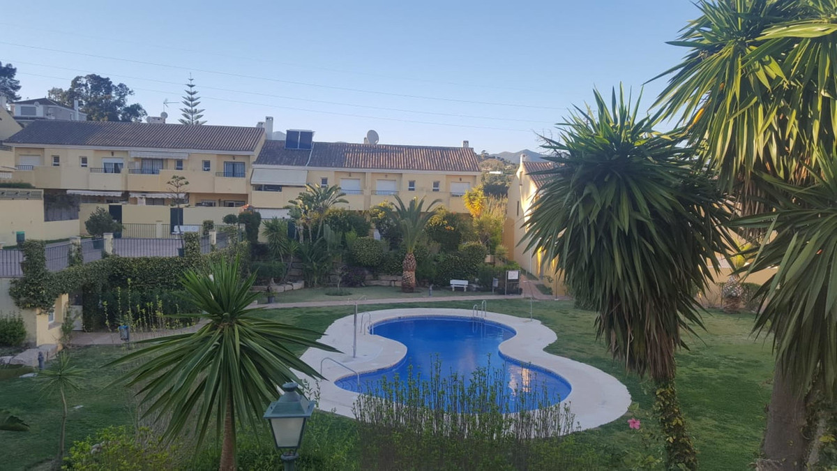 Townhouse for sale in Estepona R3380155