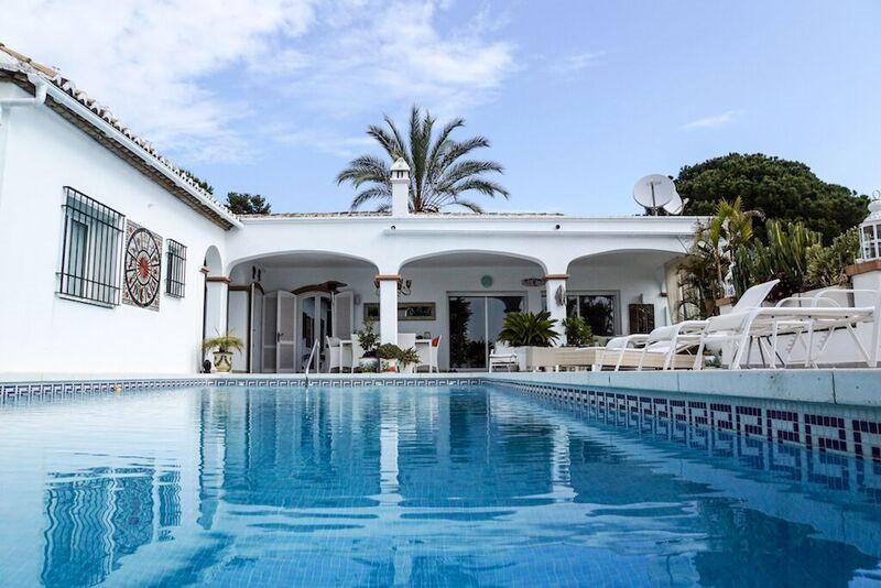 Detached Villa for sale in El Paraiso R3336169