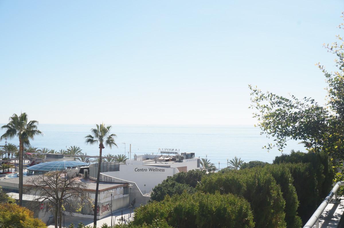 Marbella Banus Apartamento Planta Media en venta en Marbella – R3353680