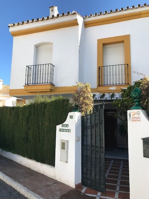 Family town house In a very sought after community.. ideal as a family home or as a holiday home.. t, Spain