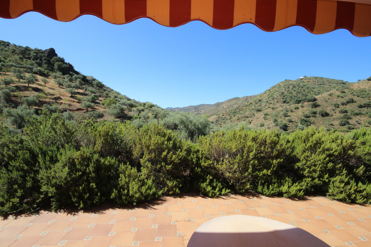 """Lovely finca """"casa de campo"""" located at the outskirts of Riogordo at 30 minutes drive from,Spain"""