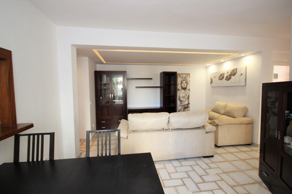 Apartamento en Venta en Marbella – R3802954