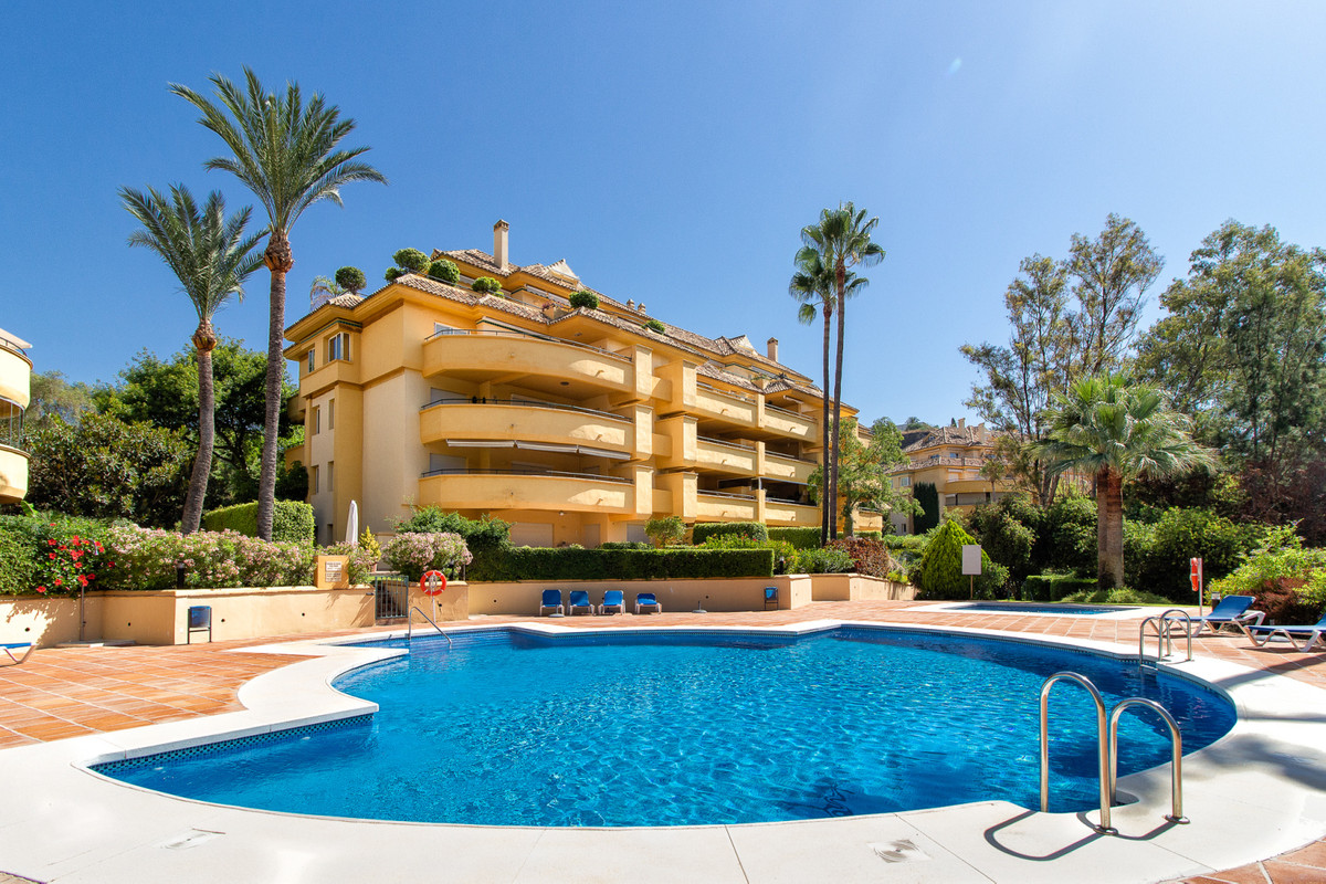 Recently refurbished corner apartment in front line golf development at Rio Real. The property offer, Spain