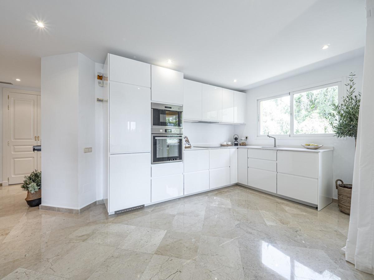 Apartamento Planta Media en Venta en Río Real – R3638834
