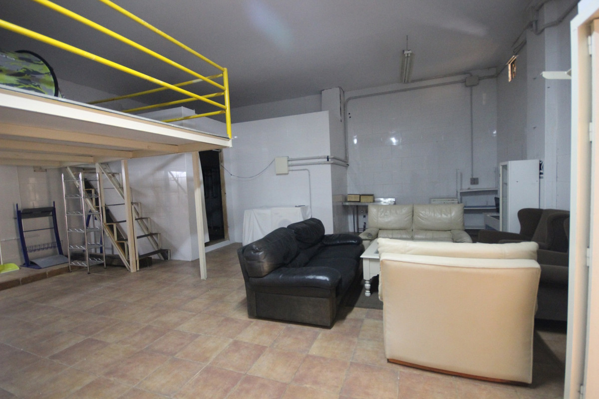 Ample Commercial Premises with Private Parking located in the heart of Marbella, just a few steps fr,Spain