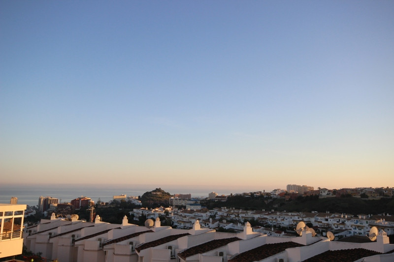 Opportunity in Arroyo de la Miel, a well preserved apartment boasting a great rooftop terrace-solari,Spain