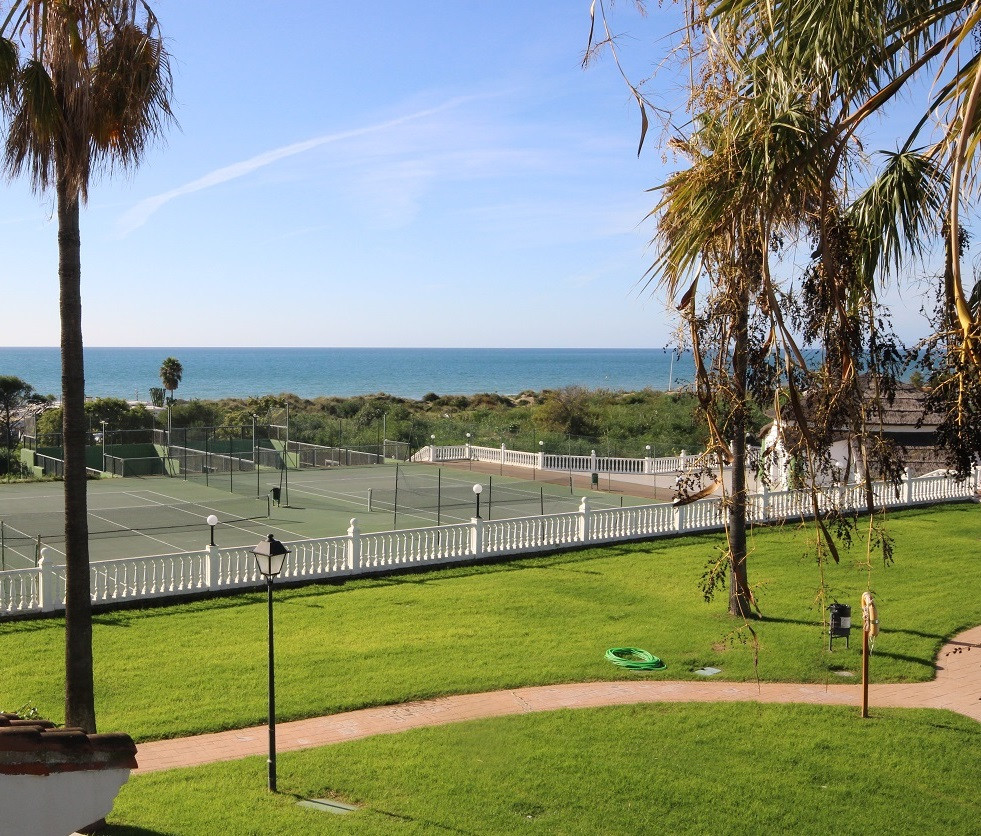Front Line Sea View. This three bedroom Duplex boasts unobstructed sea views in the best sandy beach, Spain