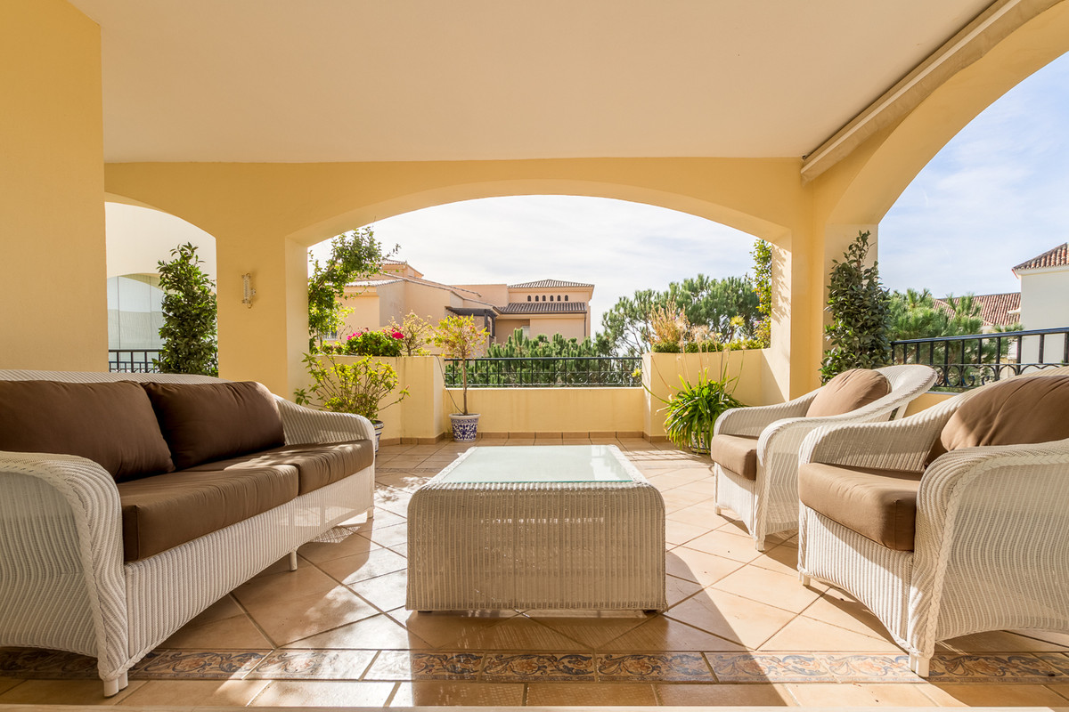 Middle Floor Apartment · Elviria