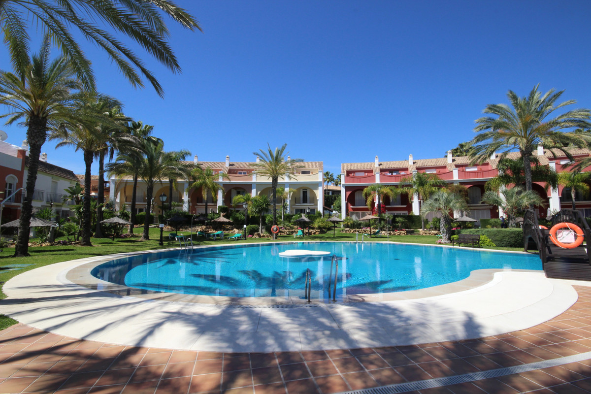 3 bedroom townhouse for sale bahia de marbella