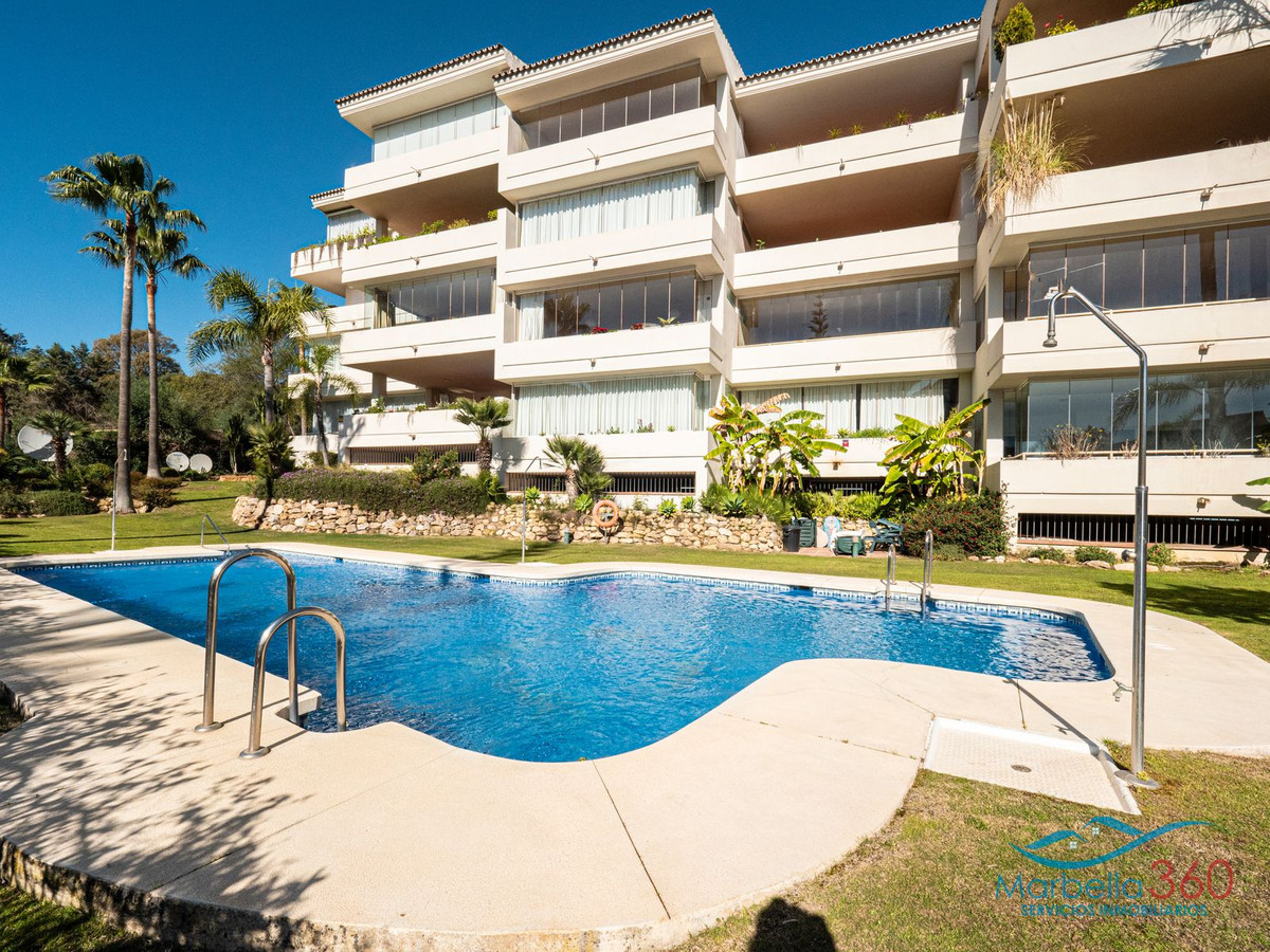 Lovely elevated ground floor apartment situated in Elviria beach side at only 200 meters form the se,Spain