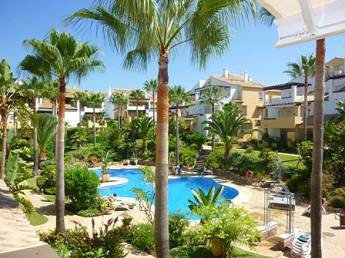 Fantastic duplex penthouse situated in FRONT LINE BEACH COMPLEX, very spacious accommodations, ample, Spain