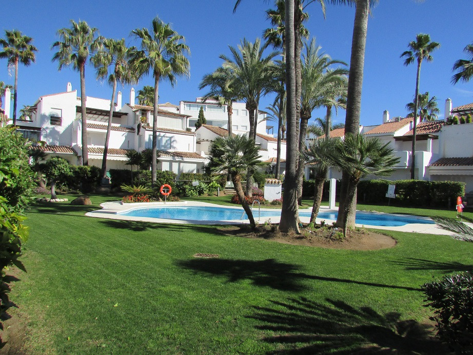 Absolute FRONT LINE BEACH CORNER townhouse located at prestigious Bahia de Marbella. The property in,Spain