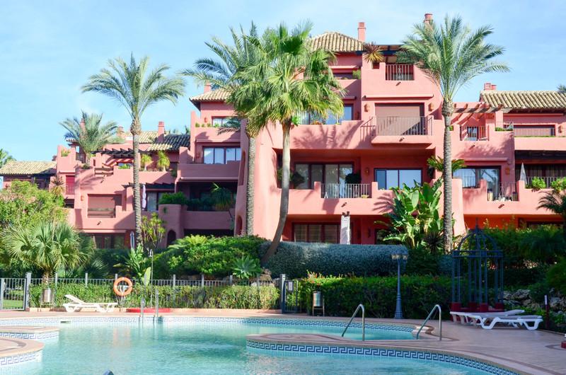 Marbella Banus Apartamento Planta Baja en venta en New Golden Mile – R2793926