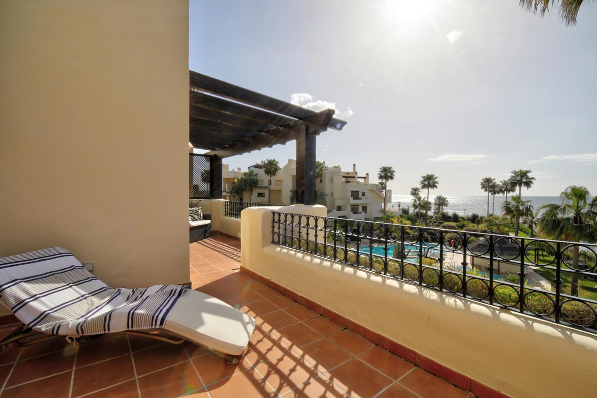 R3266953 | Penthouse in Estepona – € 1,150,000 – 4 beds, 3 baths